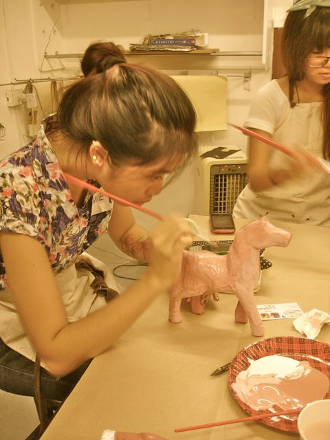 Jamie painting her taka horse at Craft MNL's first Etsy Craft Party (last year).