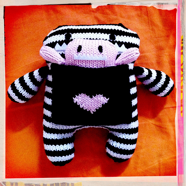 How cute is this knitted plushie?